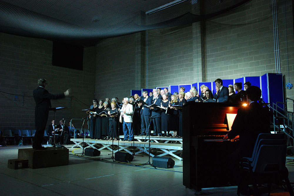 at-Kidwelly---Andrew-Pike,-both-choirs-&-artists