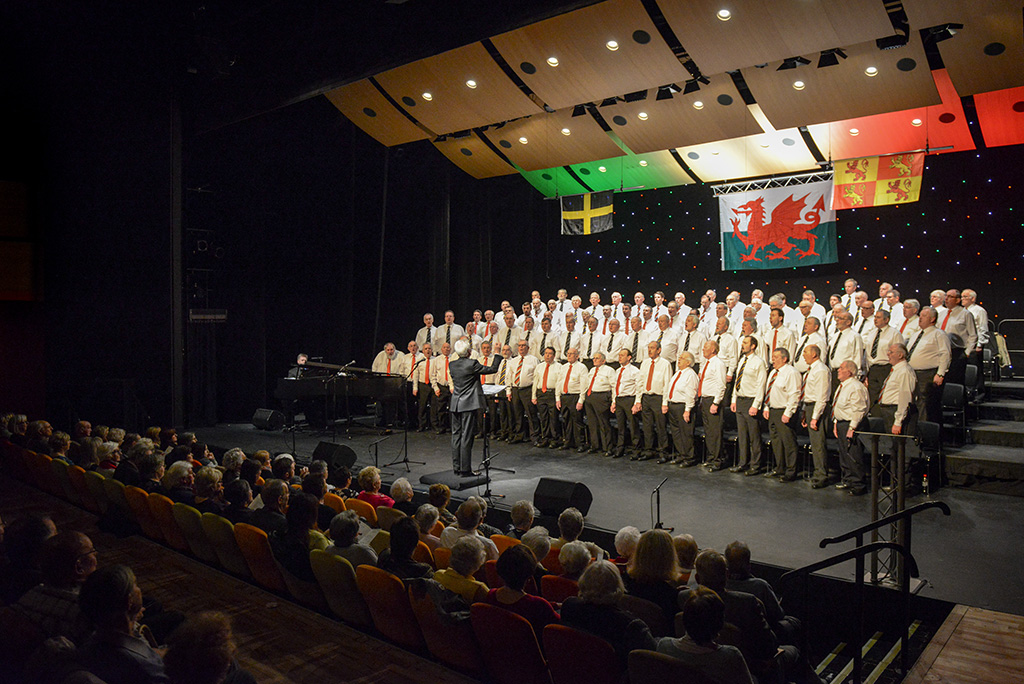 combined-male-choirs-at-St-Davids-Concert-2017